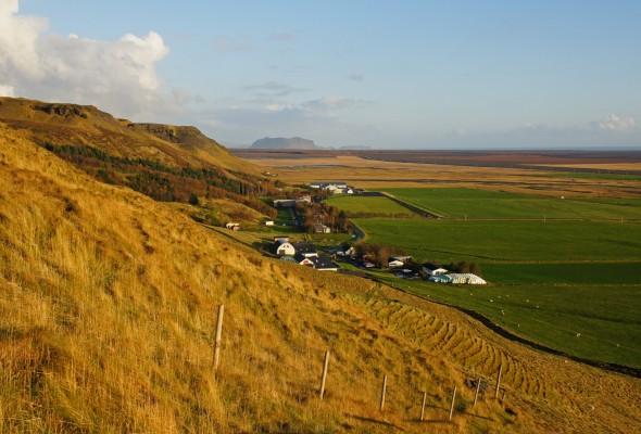 Blick auf die Fläche vor Skogar