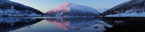 Letztes Licht über dem Fjord