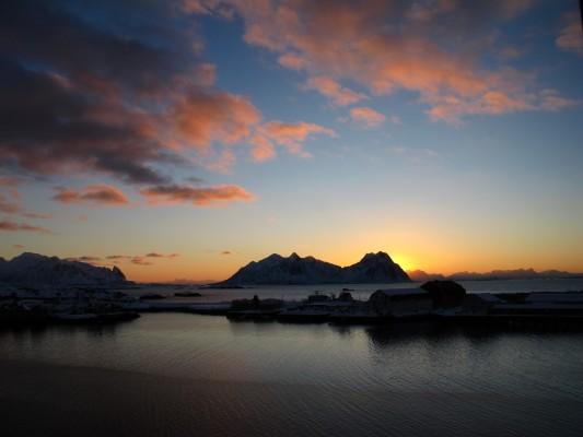 Sonnenaufgang in Svolvaer