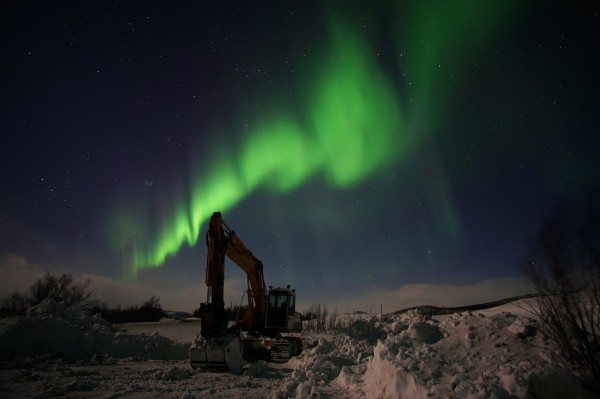 Bagger im Polarlicht