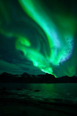 Feuer über dem Fjord